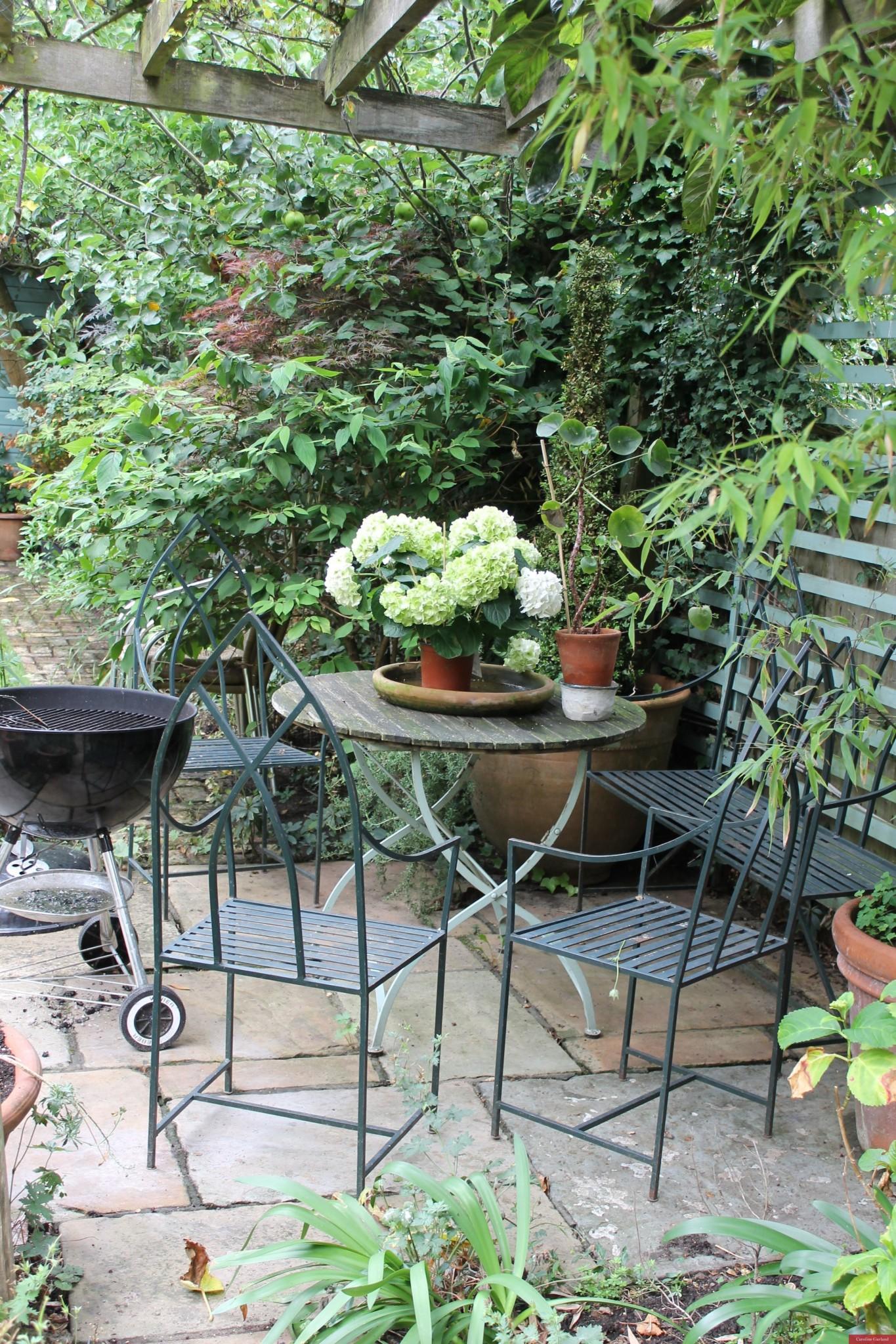Caroline's vintage garden in Wandsworth