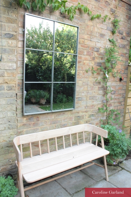 Pretty Wandsworth garden with garden office